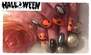 Beauty Studio Chelsea kynnet Halloween